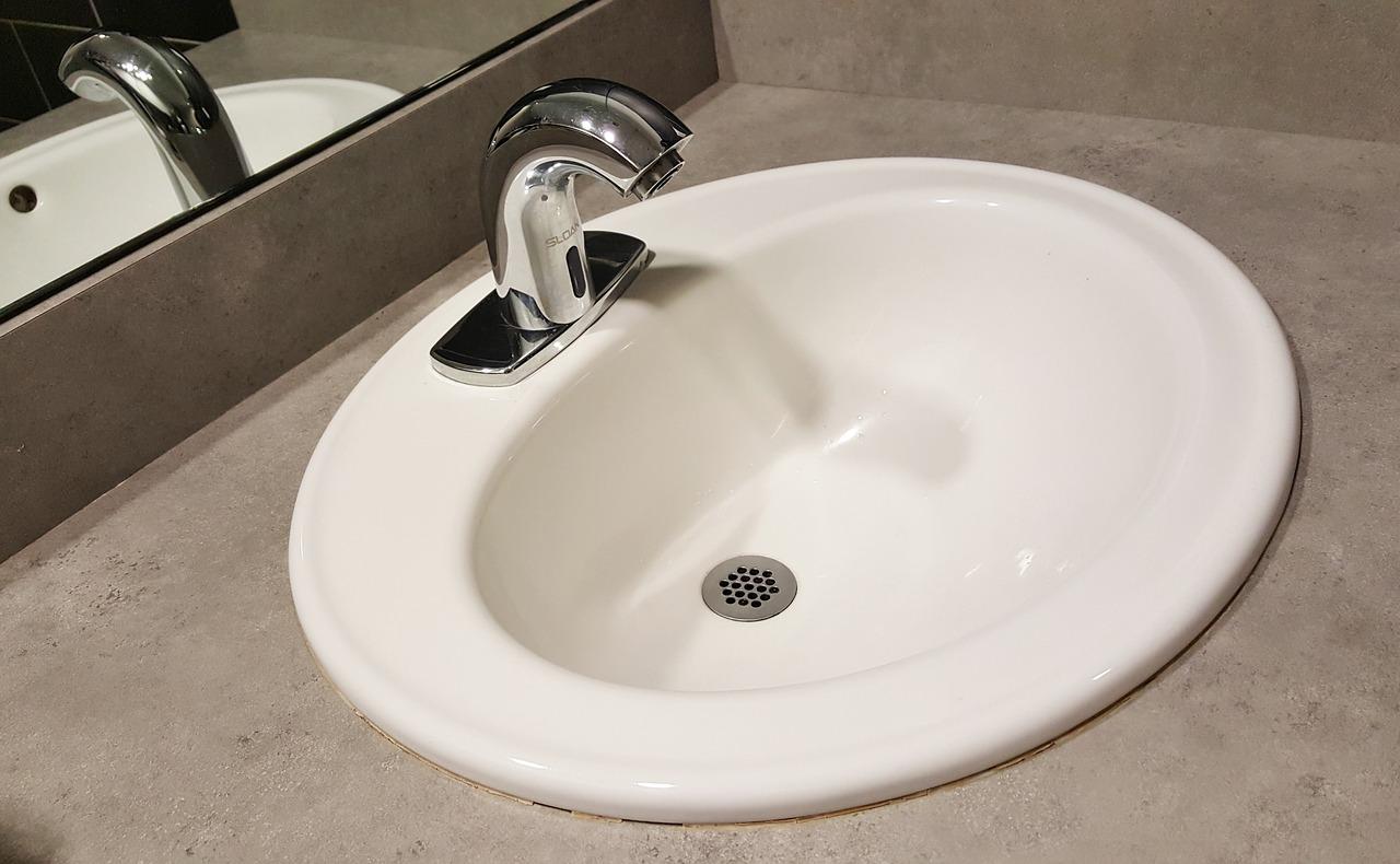 Waschbeckenverstopfung: Wie du sie einfach beseitigst